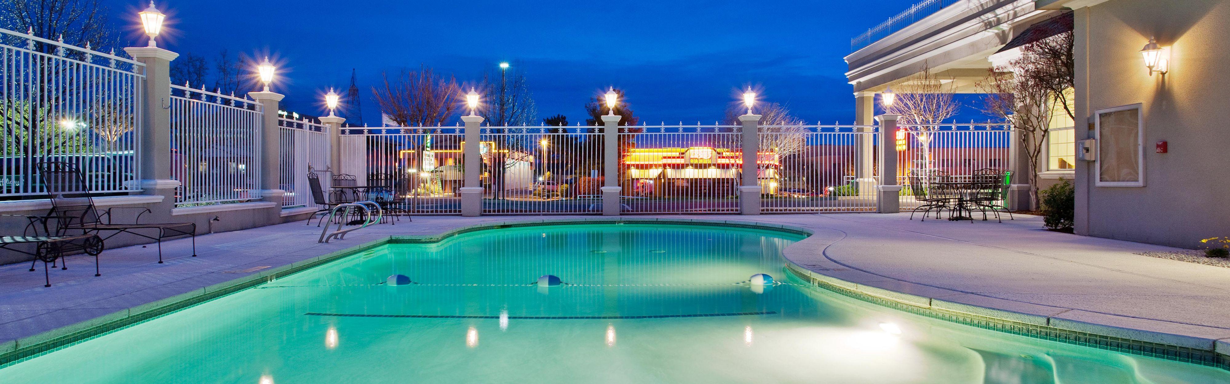 Holiday Inn Redding image 2