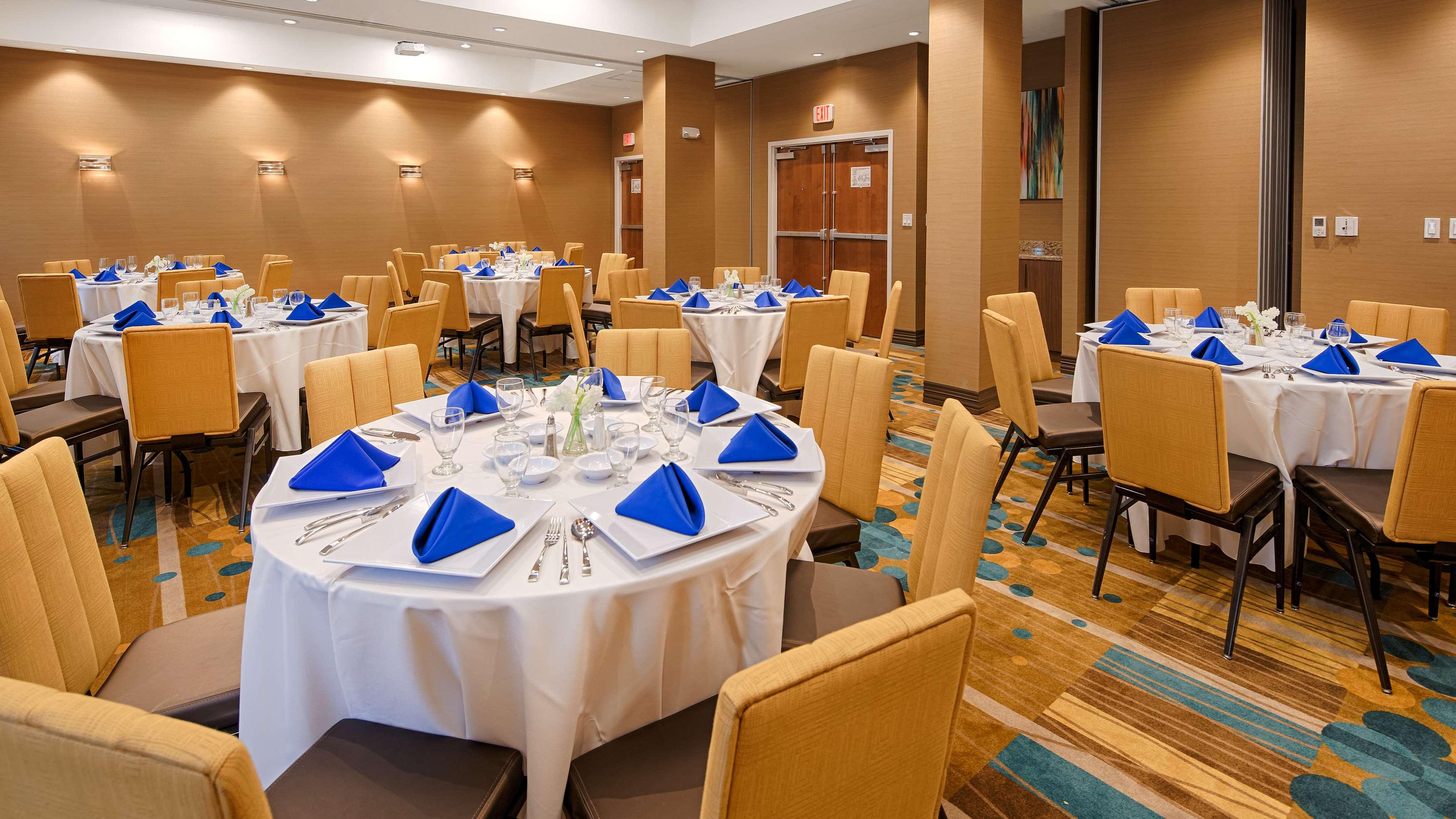Best Western Plus Kendall Airport Hotel & Suites image 33