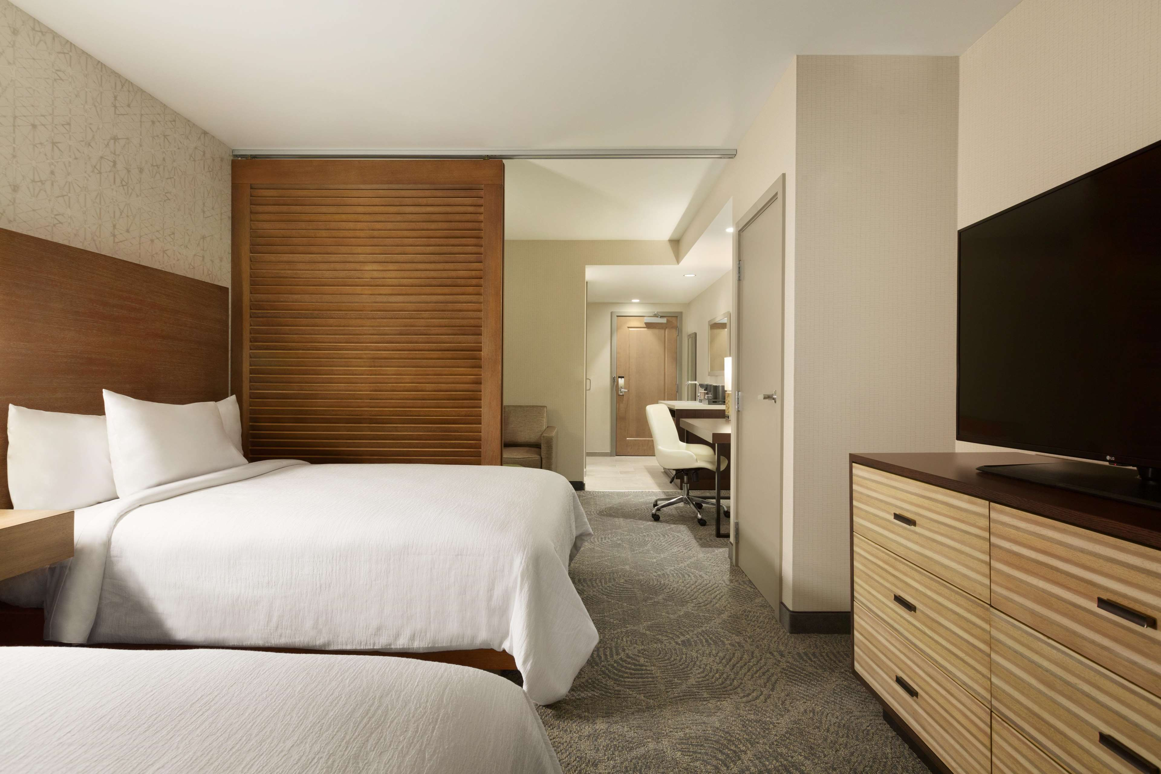 Embassy Suites by Hilton Oahu Kapolei image 32