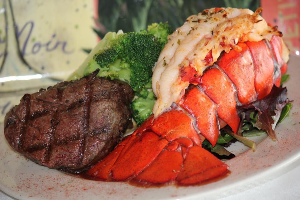 Crab's Claw Oceanfront Caribbean Restaurant image 9