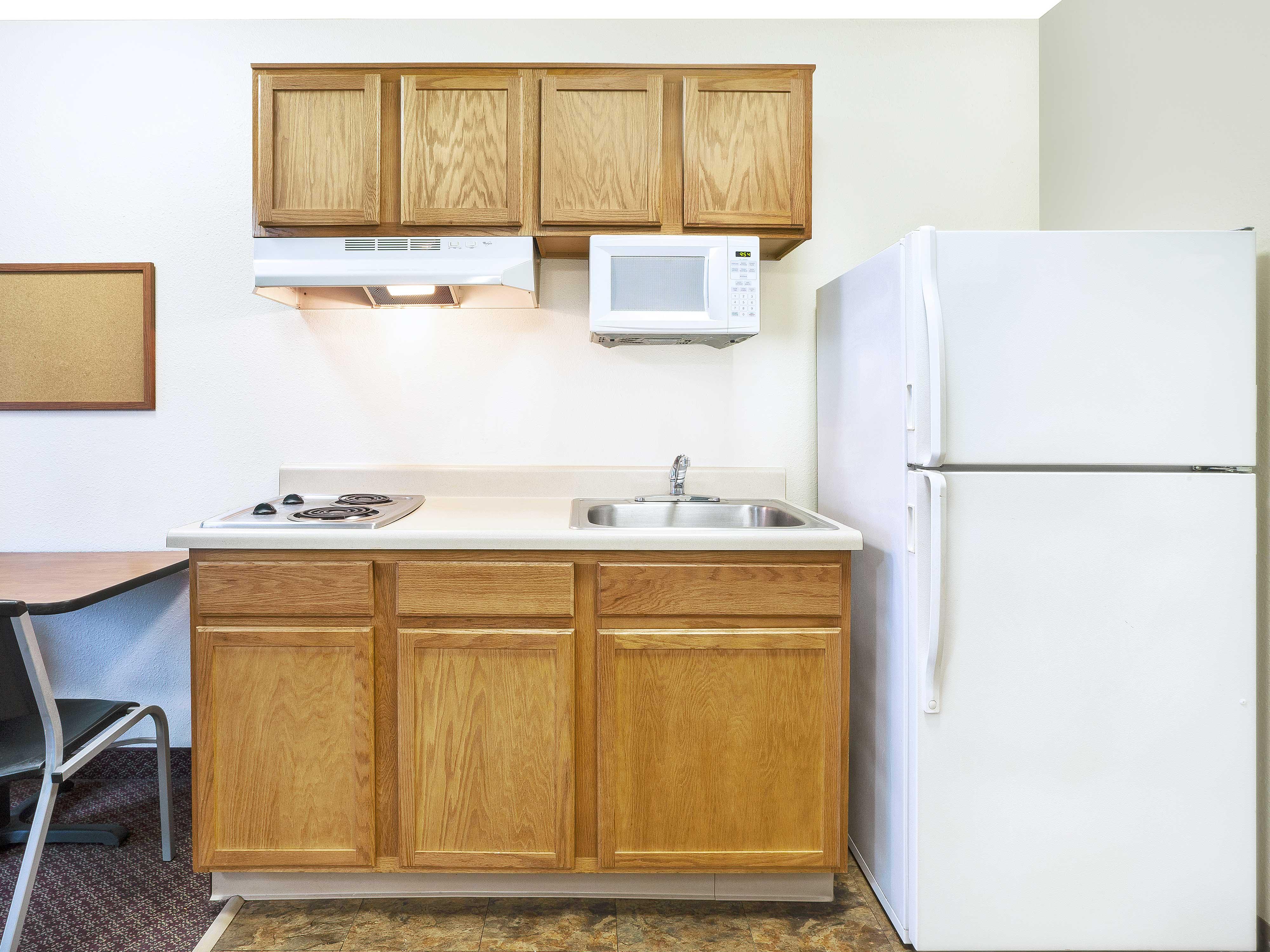 WoodSpring Suites Grand Rapids Holland image 7