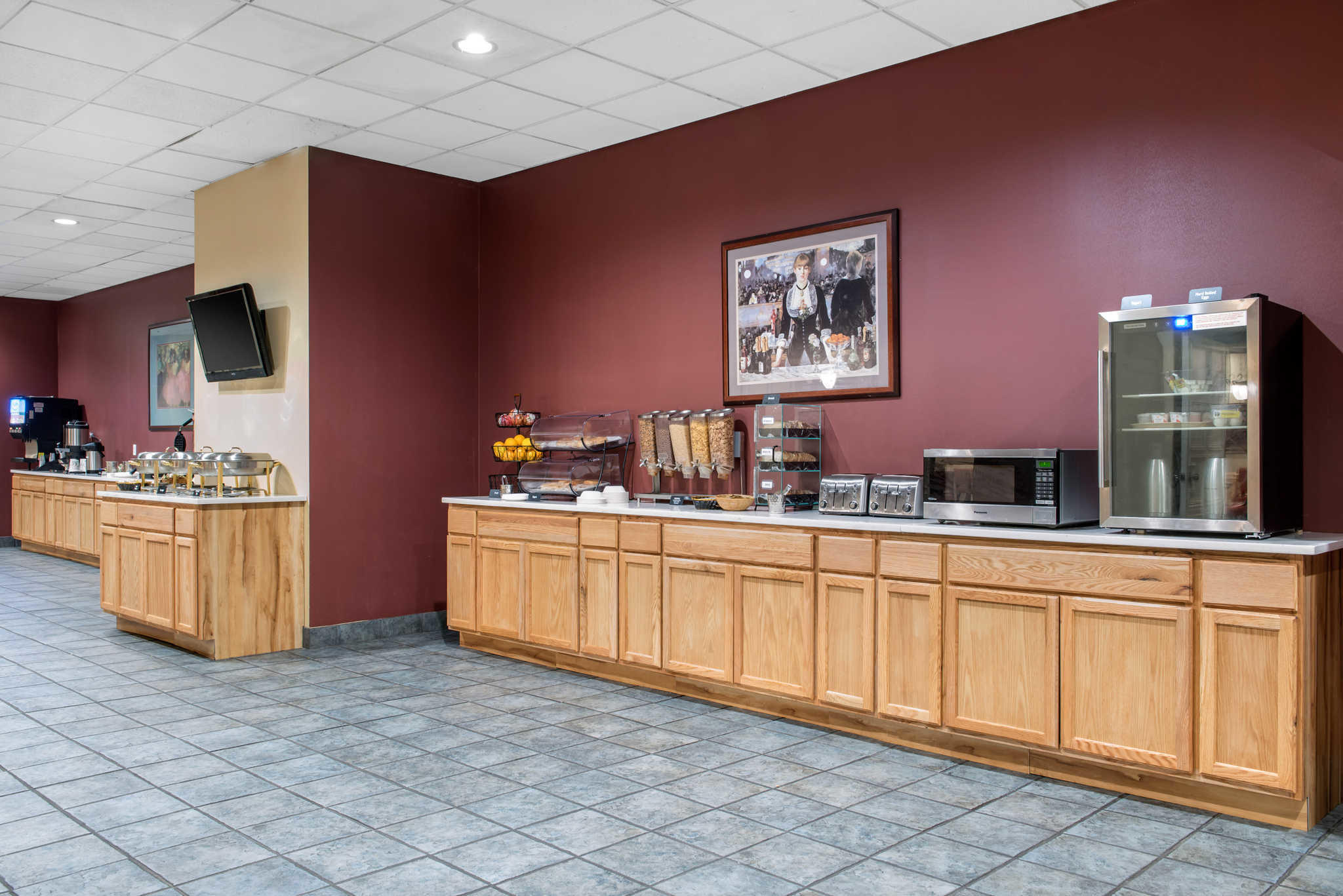 Quality Inn Airport image 21