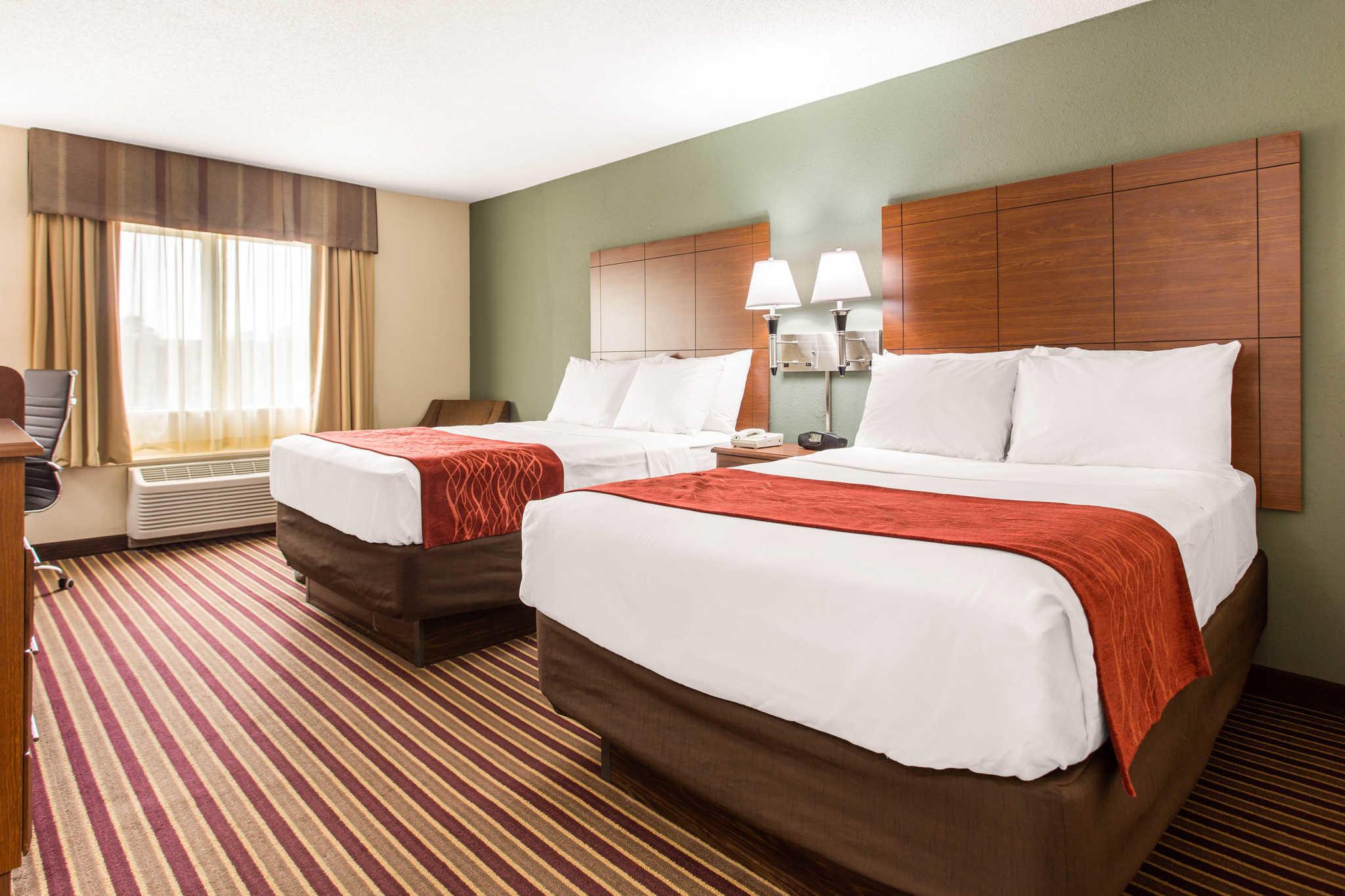 Comfort Inn & Suites Crabtree Valley image 4