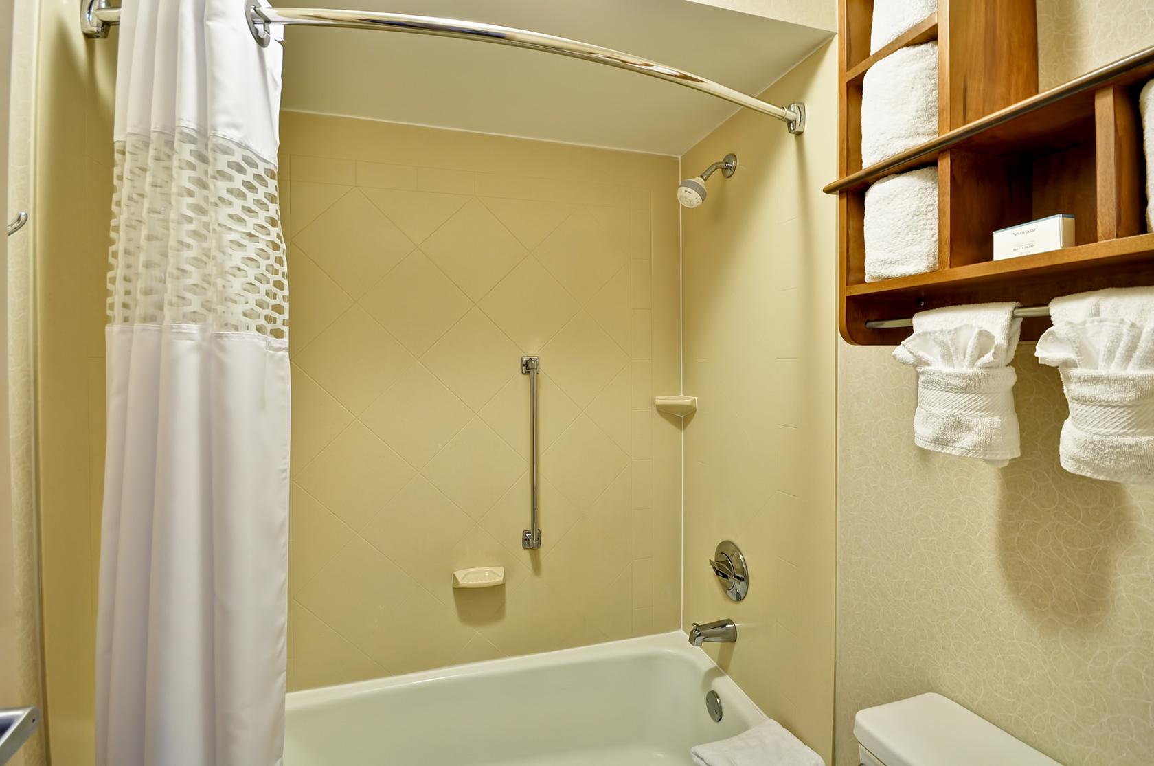 Red Lion Inn & Suites Fayetteville I-95 image 0