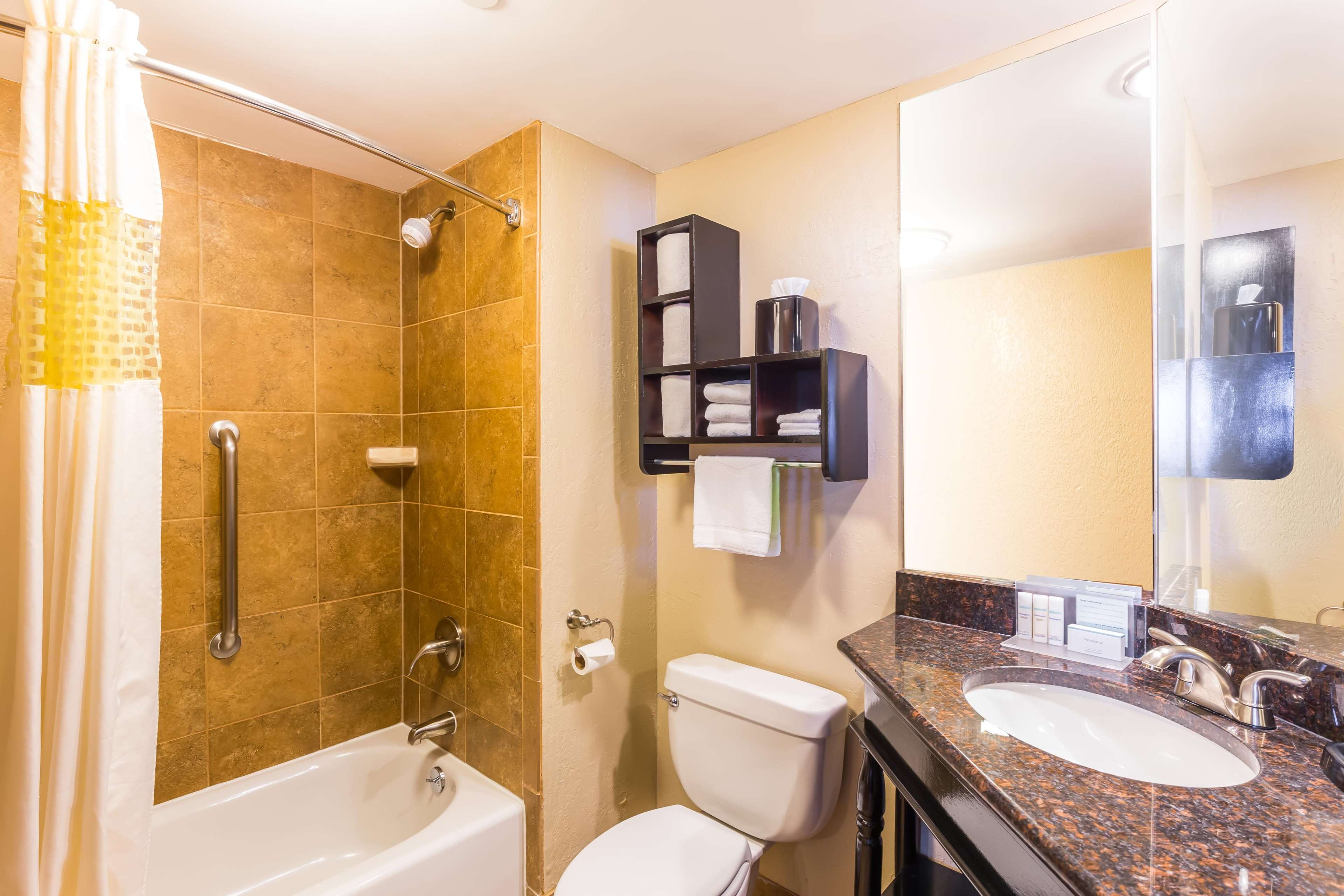 Hampton Inn & Suites Chicago/Hoffman Estates image 47