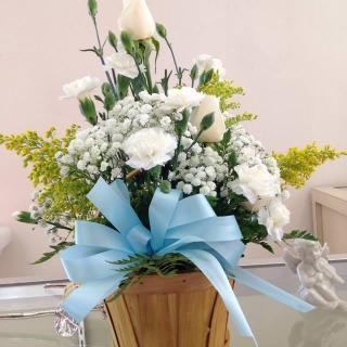 Casa Blanca Floral Designs image 8