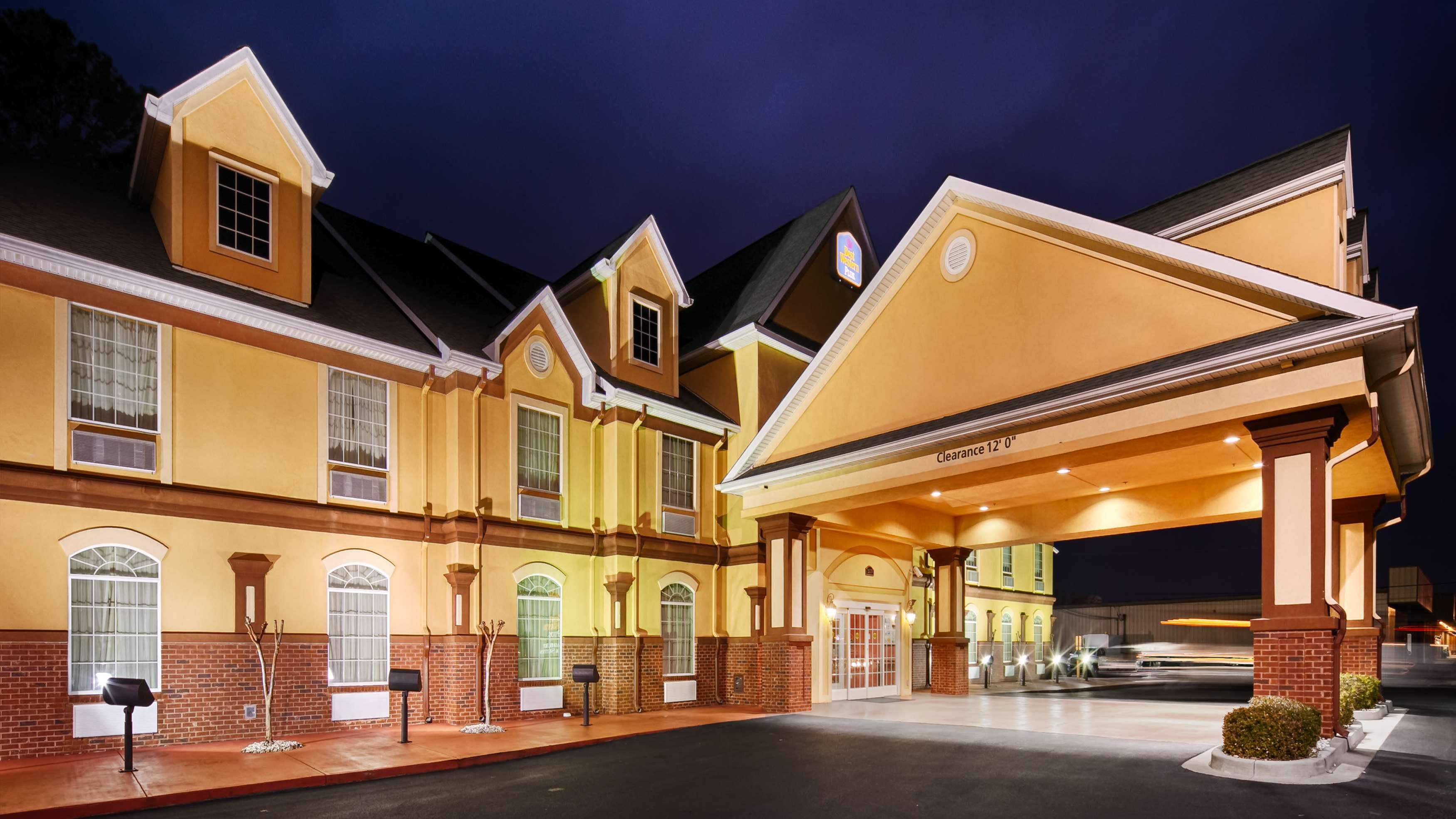 Best Western Plus Bradbury Inn & Suites image 0