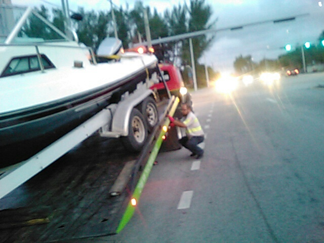 On Time Towing image 1