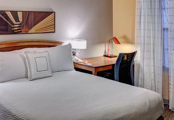 TownePlace Suites by Marriott Dallas Las Colinas image 3