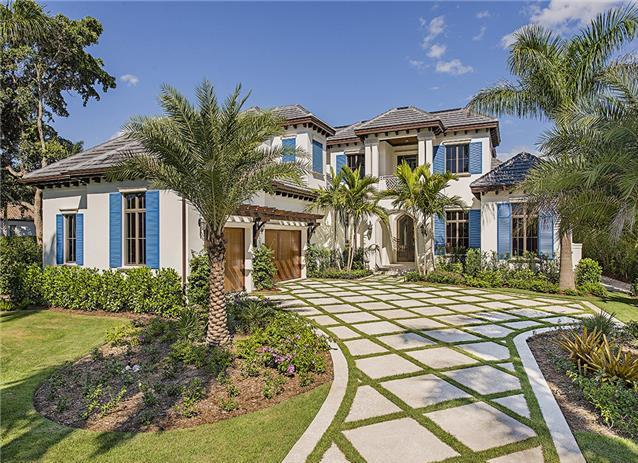 Luxury Naples landscaping brought to you by Earthcare Landscape!