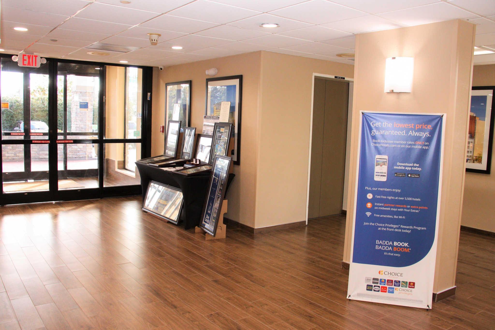 Comfort Inn & Suites Duke University-Downtown image 6