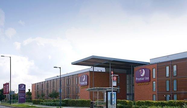 Premier Inn Heathrow Airport Bath Road