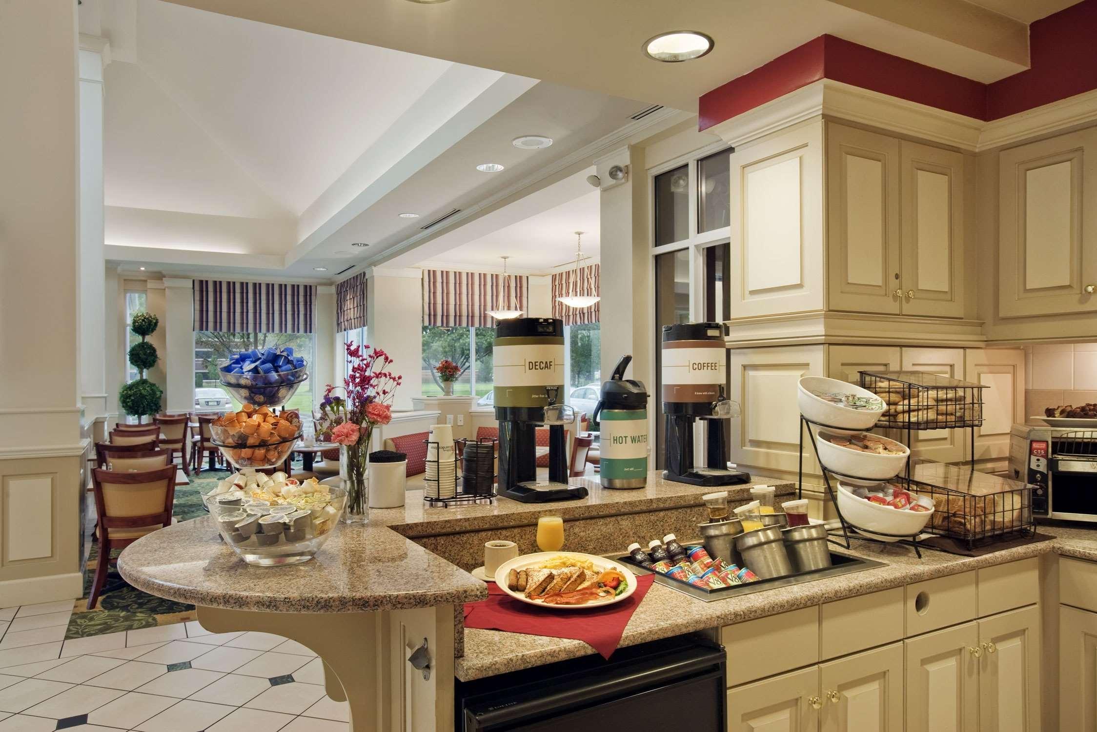 Hilton Garden Inn Syracuse image 4