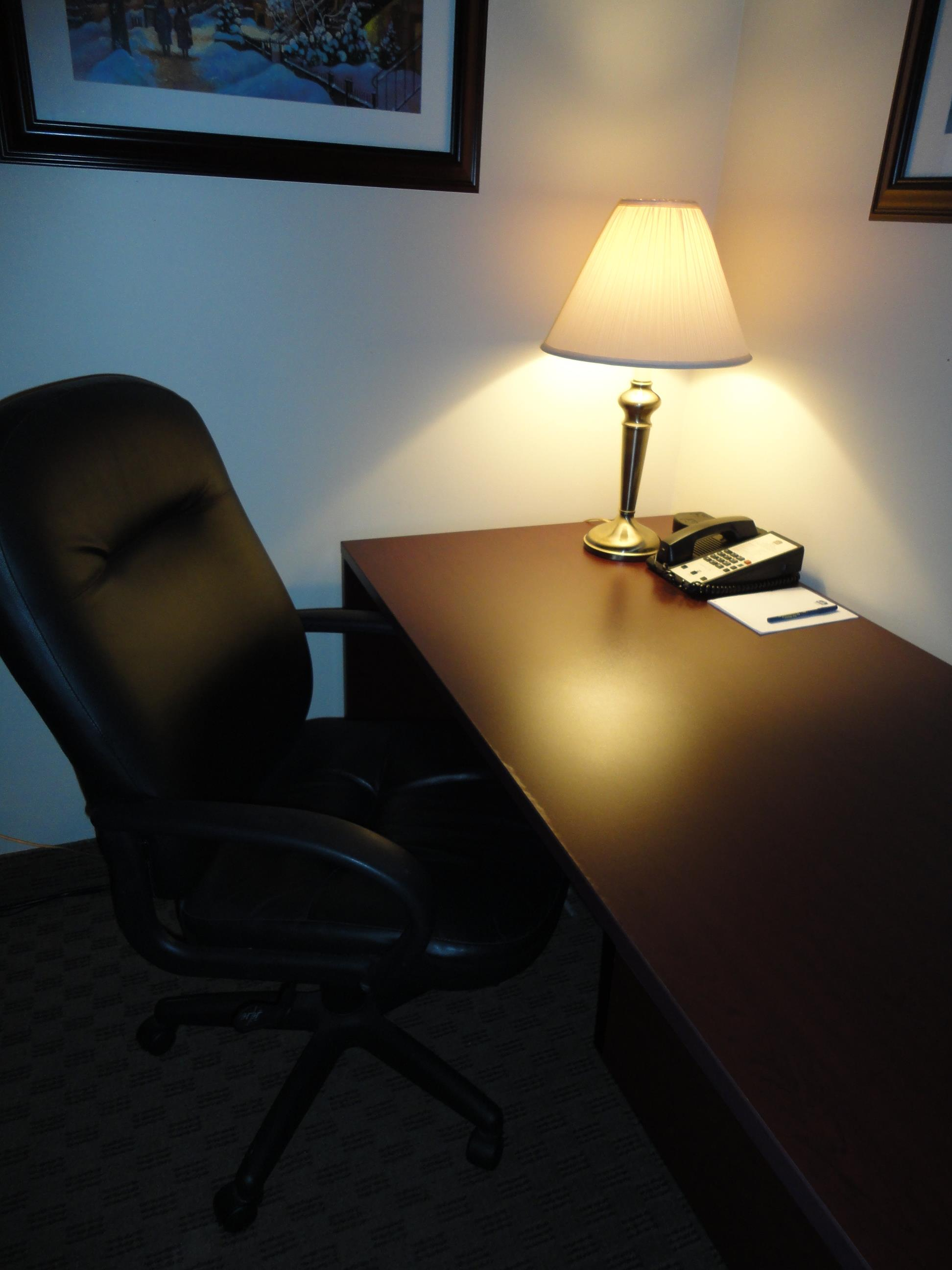 Best Western Laval-Montreal à Laval: Large Work Desk