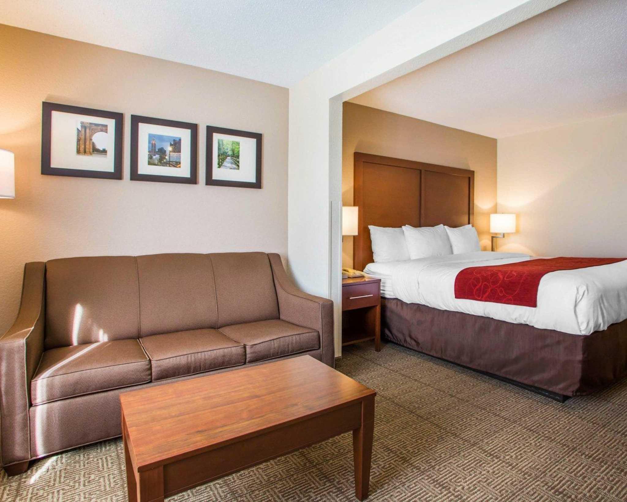Comfort Suites Columbus West- Hilliard image 3