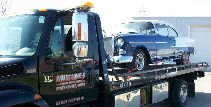 Mustaine's Towing & Recovery image 0