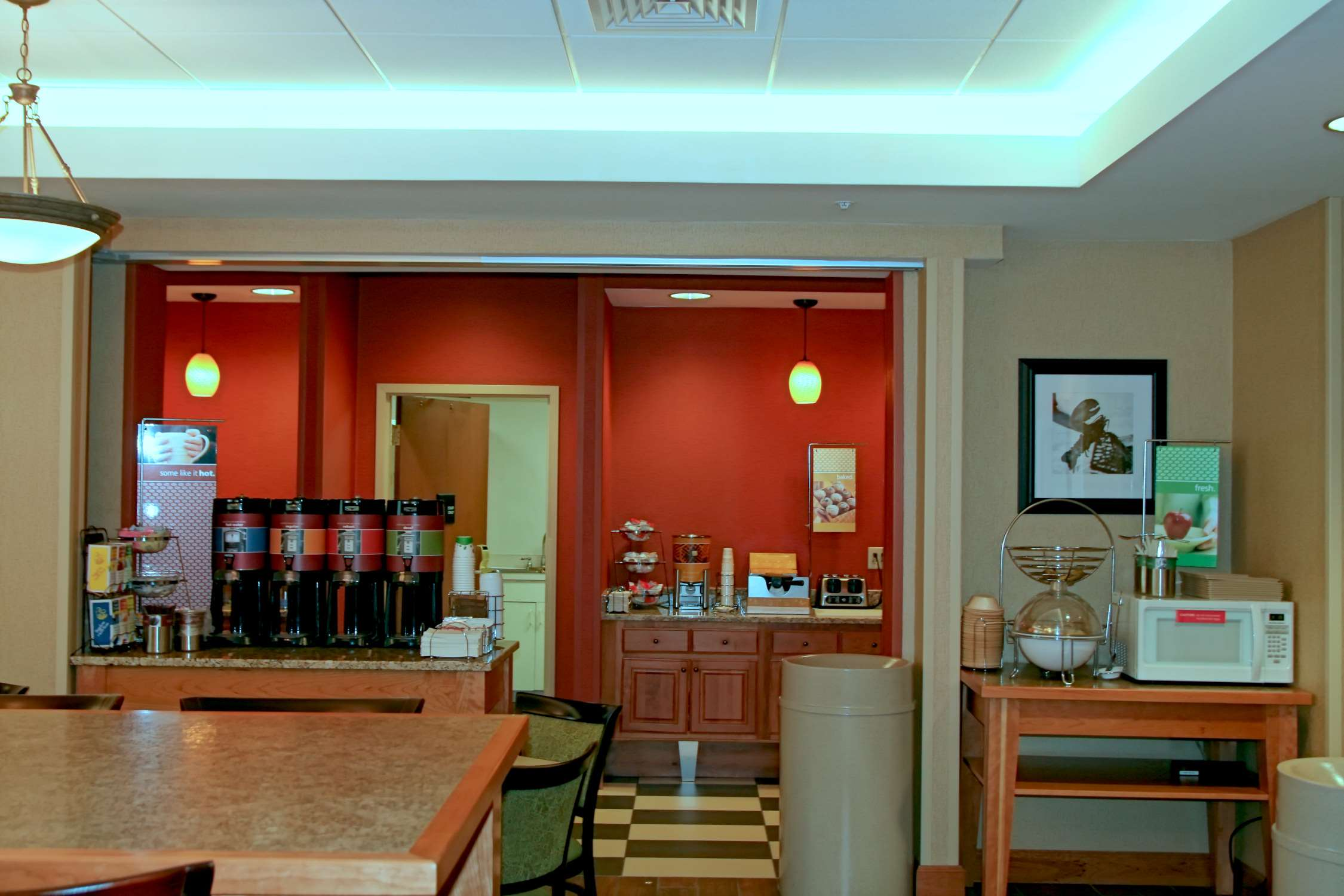 Hampton Inn Waterville image 11