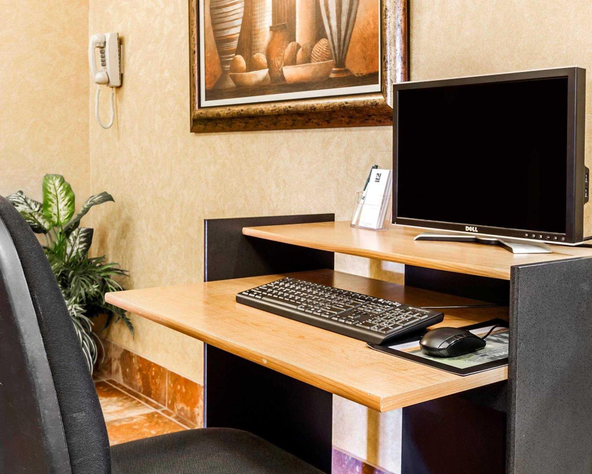 Quality Inn & Suites Surprise Near Sun City West image 42