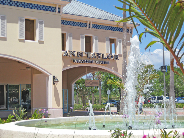 Ellenton Premium Outlets is a perfect shopping stop for the area residents and visitors looking for a delightful wallet-friendly shopping experience any time of the year. The entire team at Ellenton Premium Outlets hopes to see you soon!7/10().
