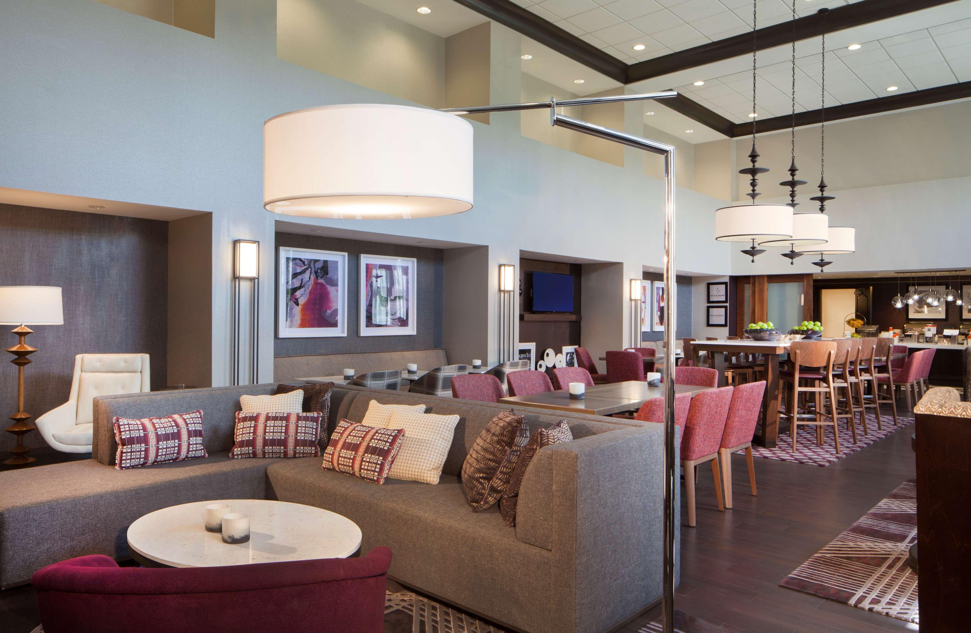 Hampton Inn & Suites Columbus-Easton Area image 5