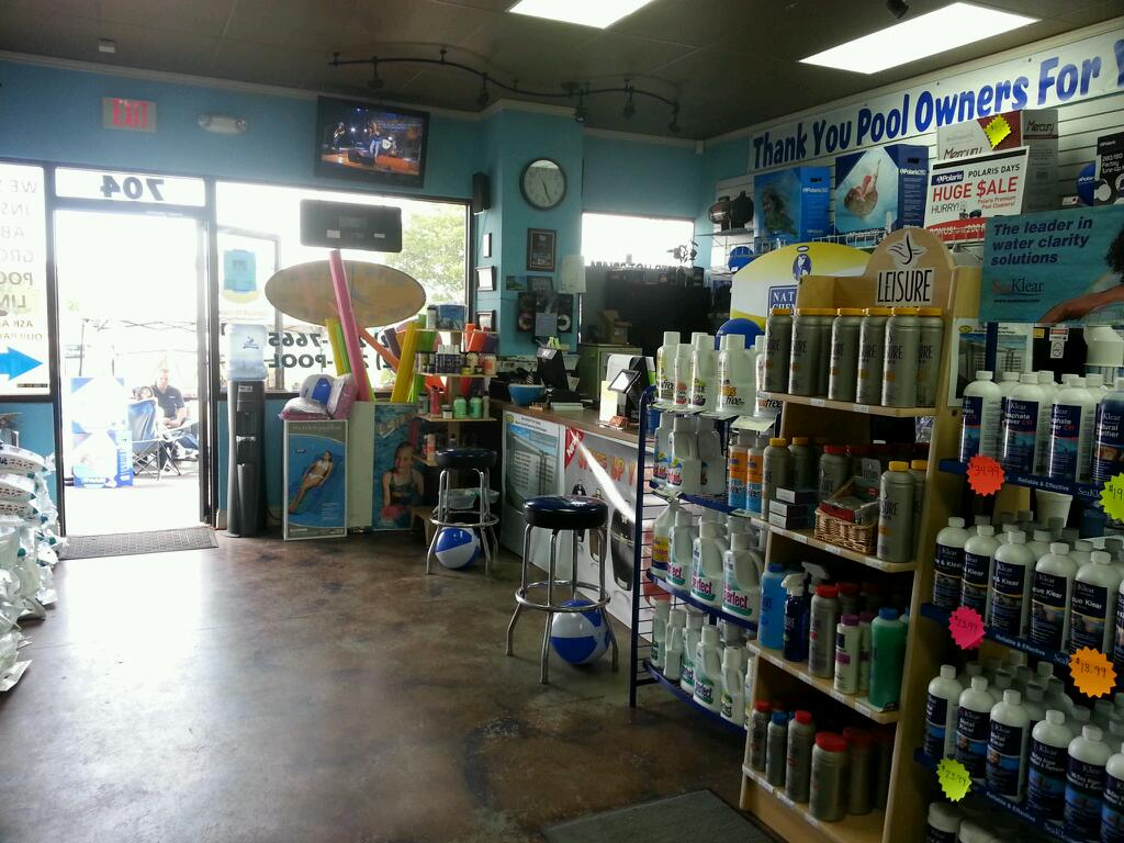 Blue bottom pool spa supply cedar park coupons near me for Pool showrooms near me