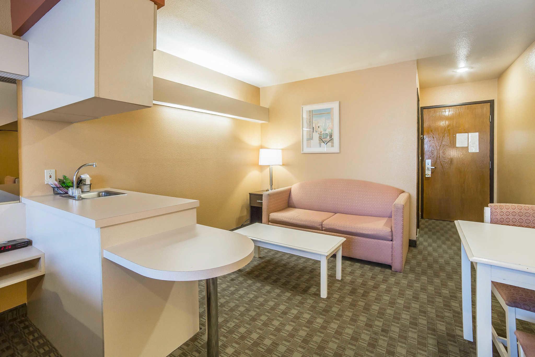 Quality Inn & Suites Elko image 18
