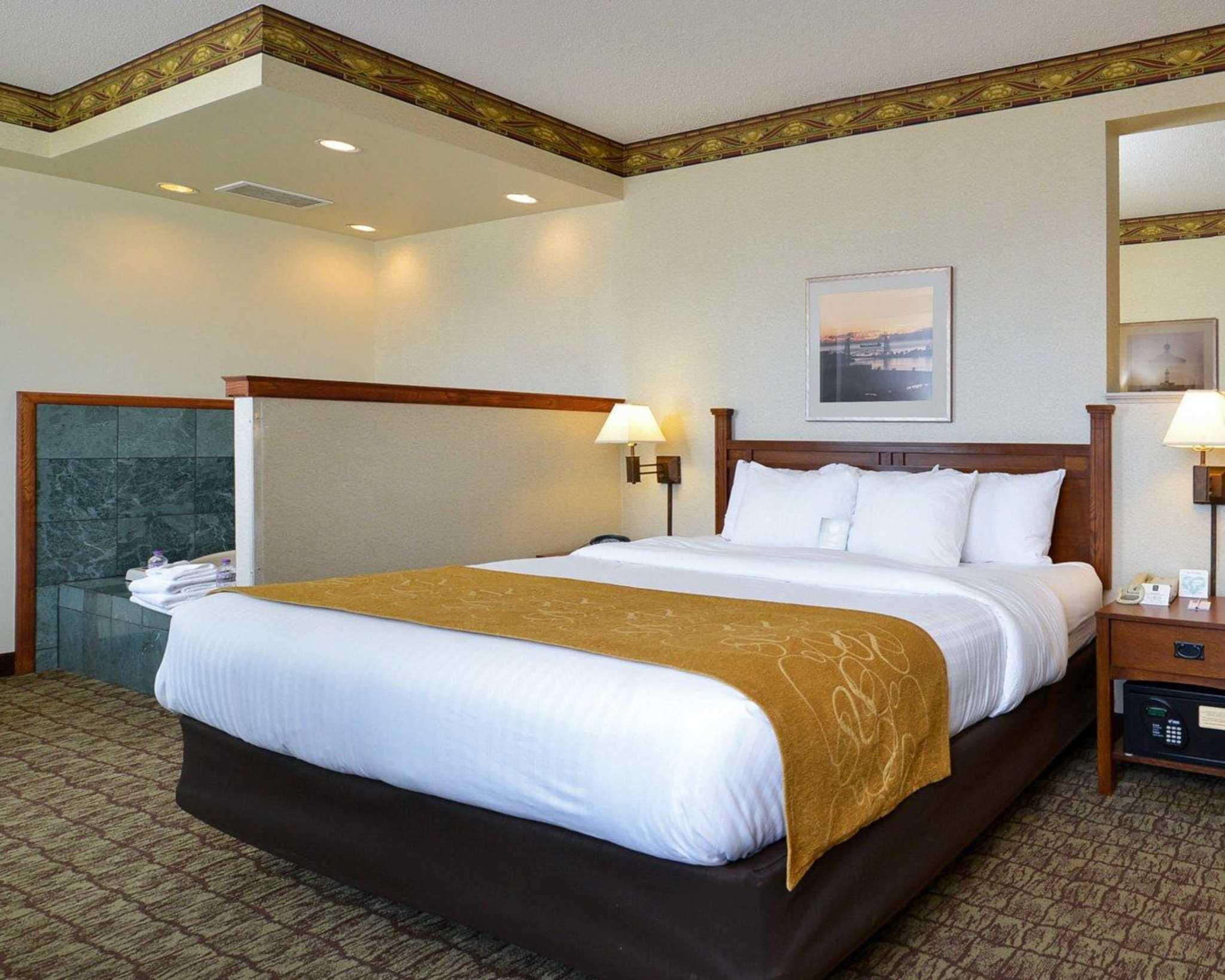 Comfort Suites Canal Park image 31
