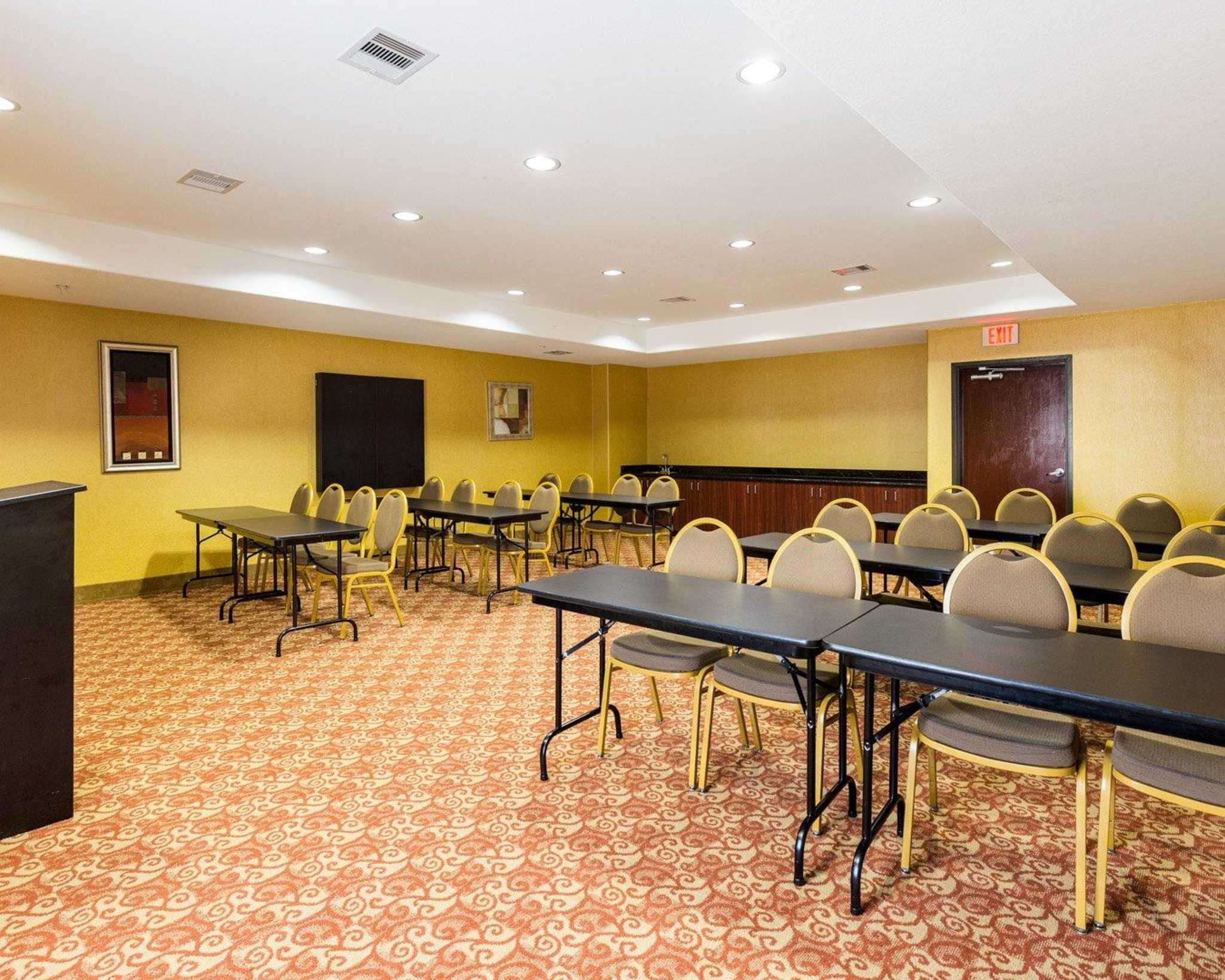 Comfort Suites Pearland - South Houston image 7