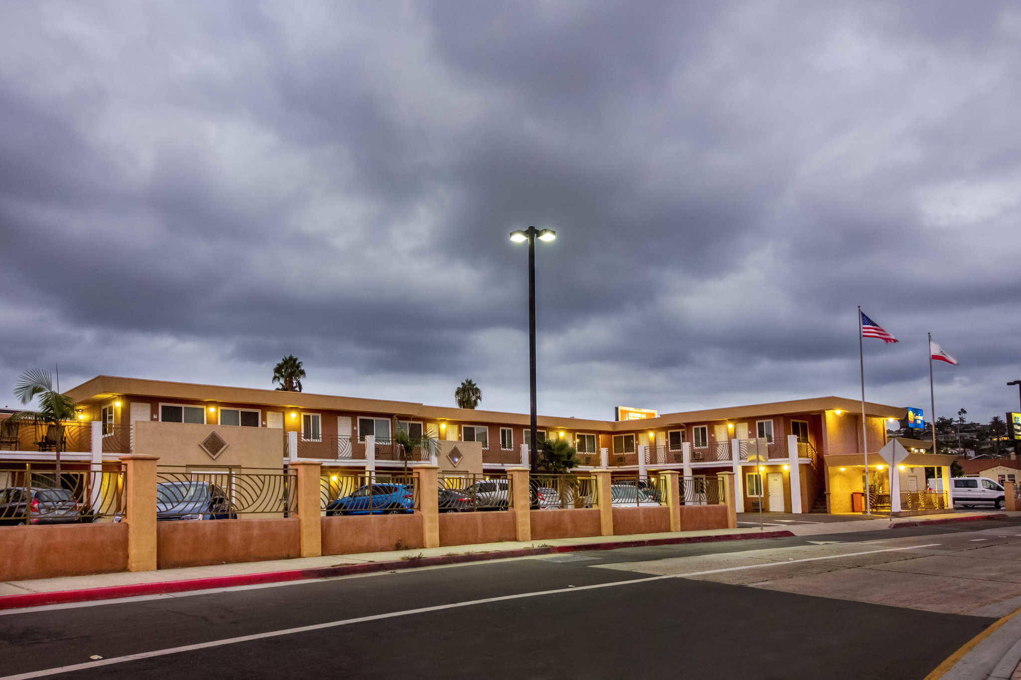 Comfort Inn San Diego At The Harbor image 4