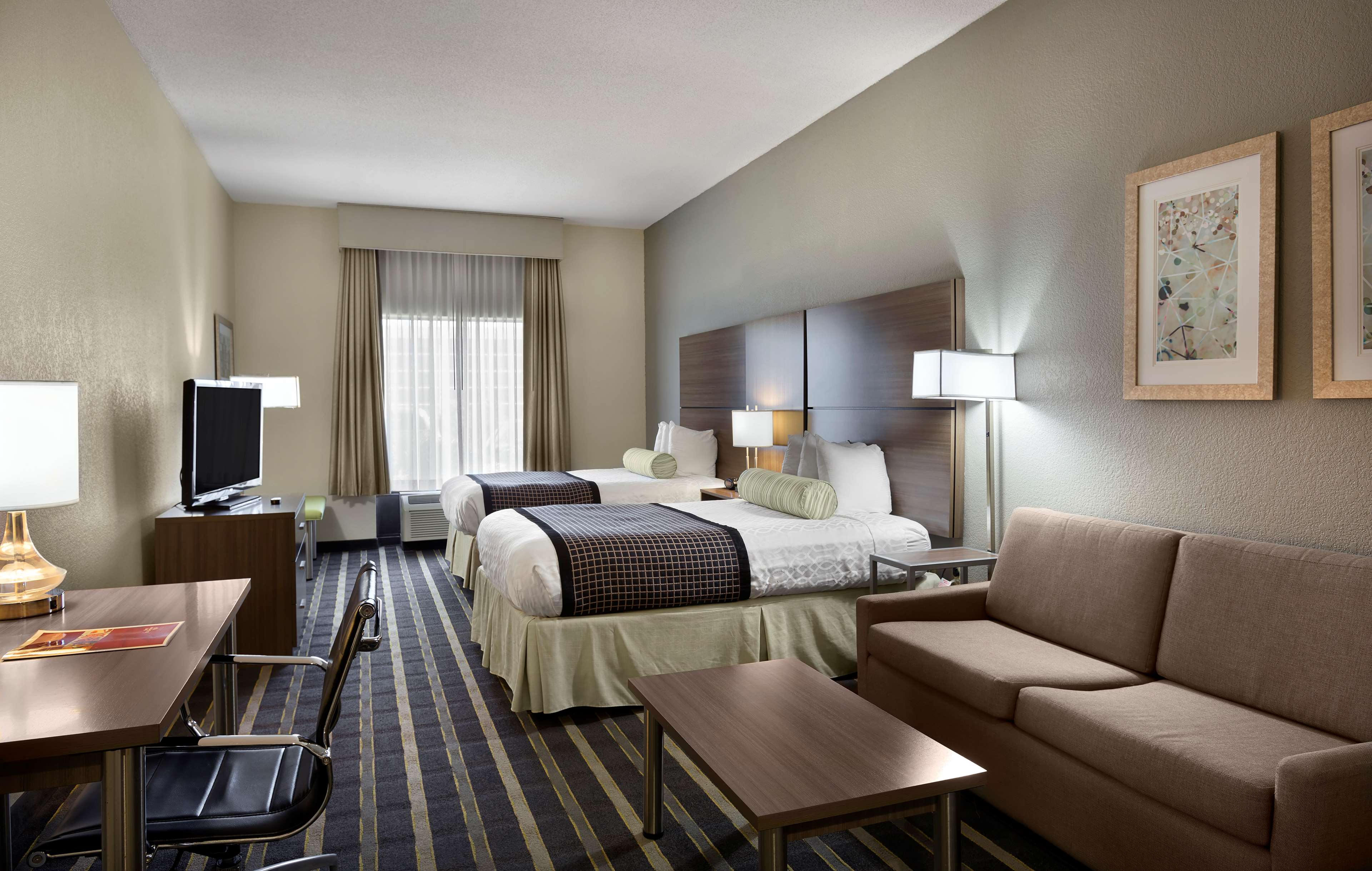 Best Western Plus Hotel & Suites Airport South image 17