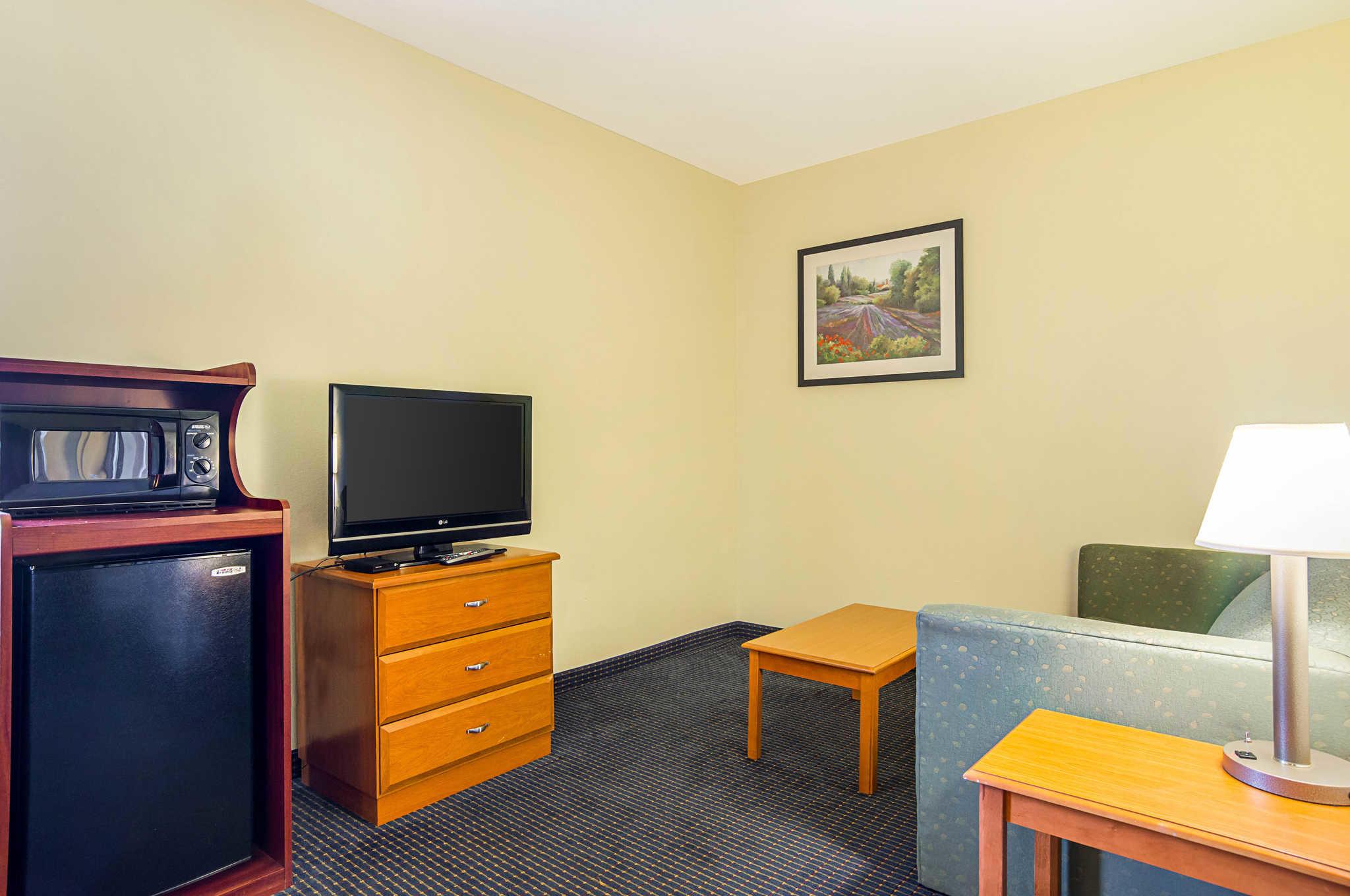 Econo Lodge Inn & Suites Pritchard Road North Little Rock image 15