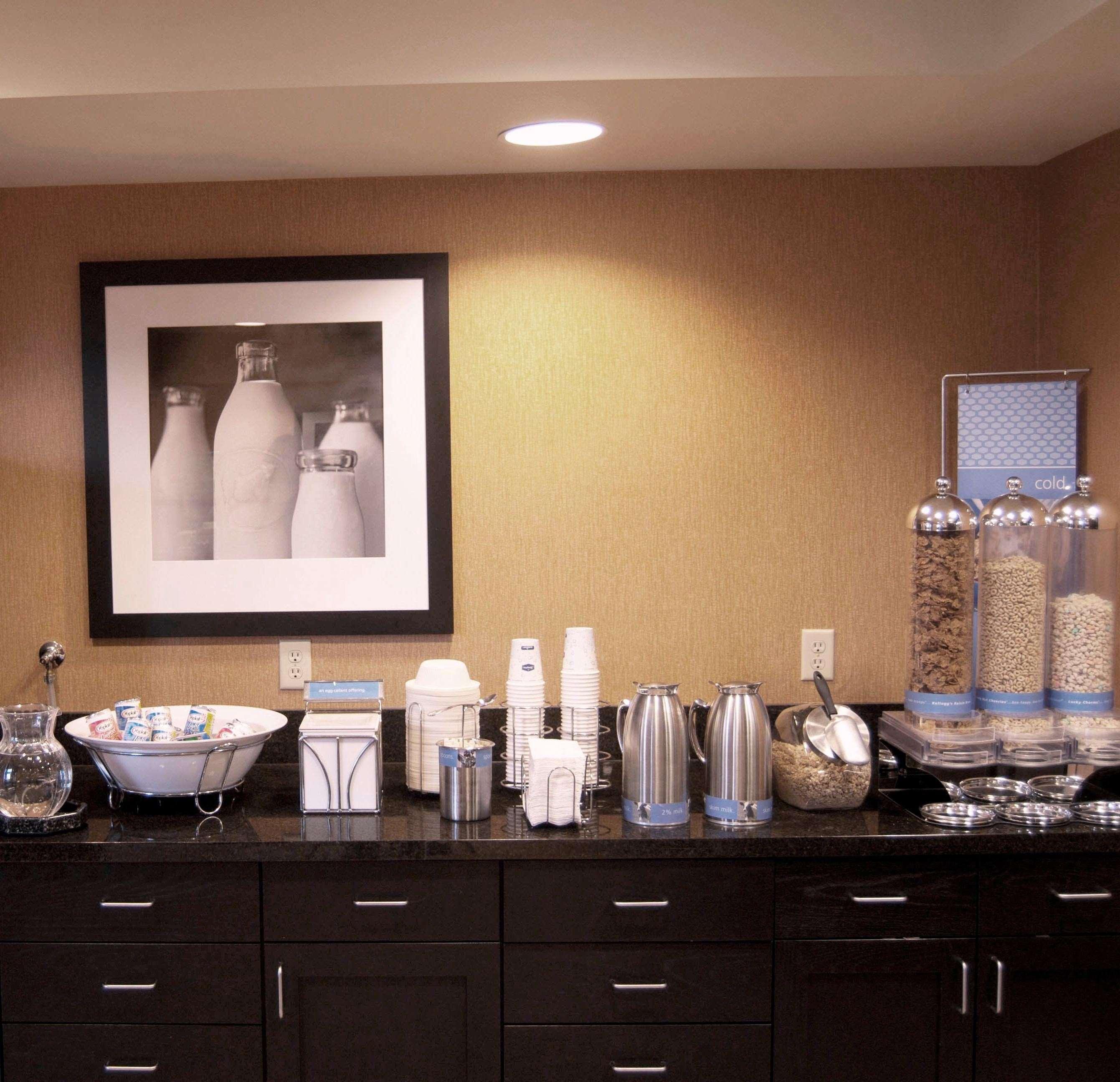Hampton Inn & Suites Spokane Valley image 12