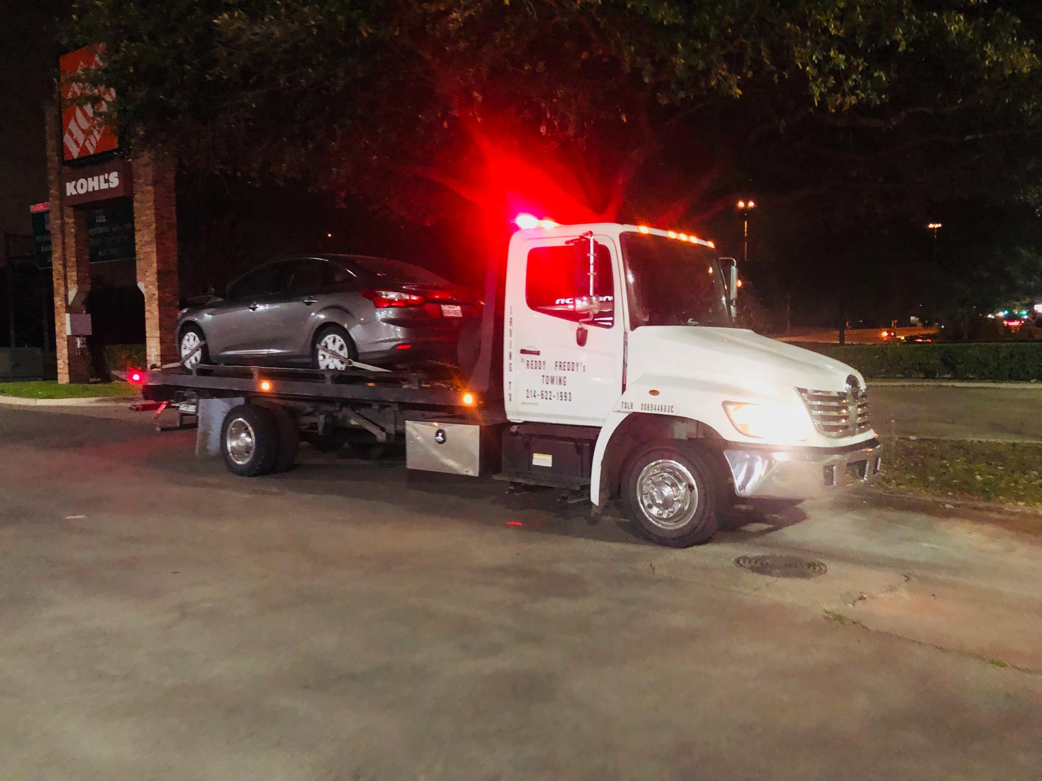 Reddy Freddy's Towing image 13