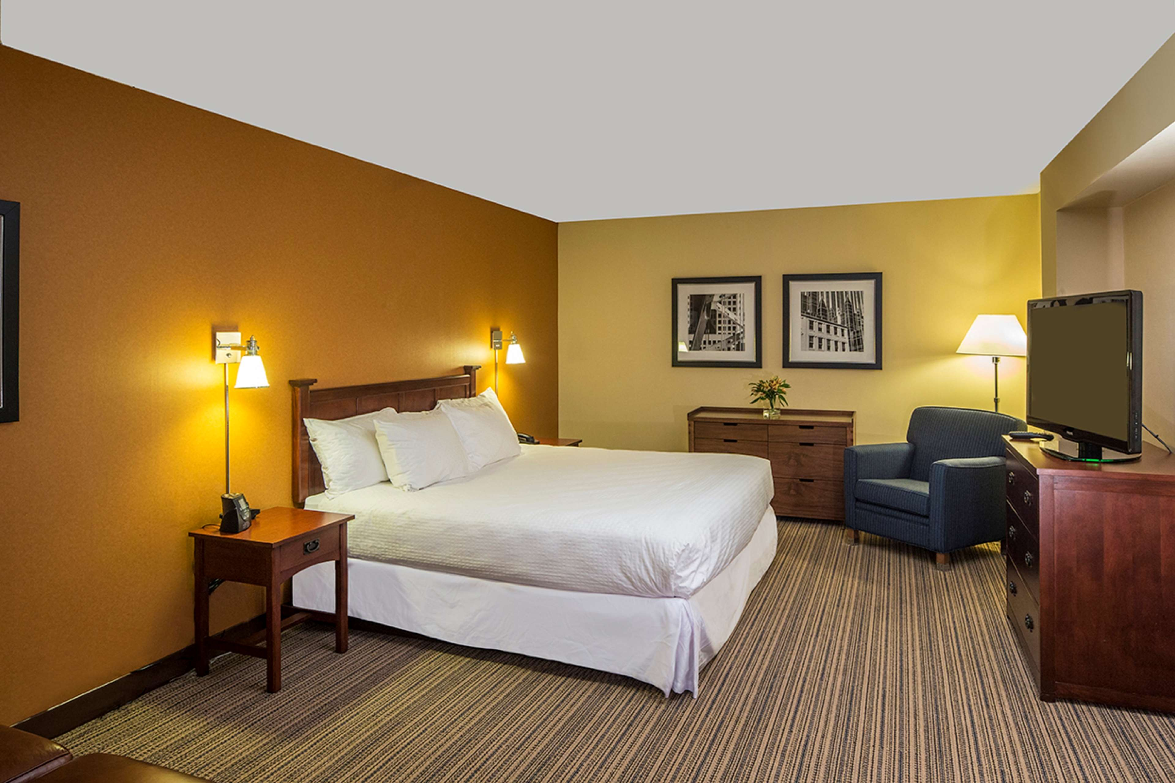 DoubleTree by Hilton Hotel Pittsburgh - Cranberry image 28