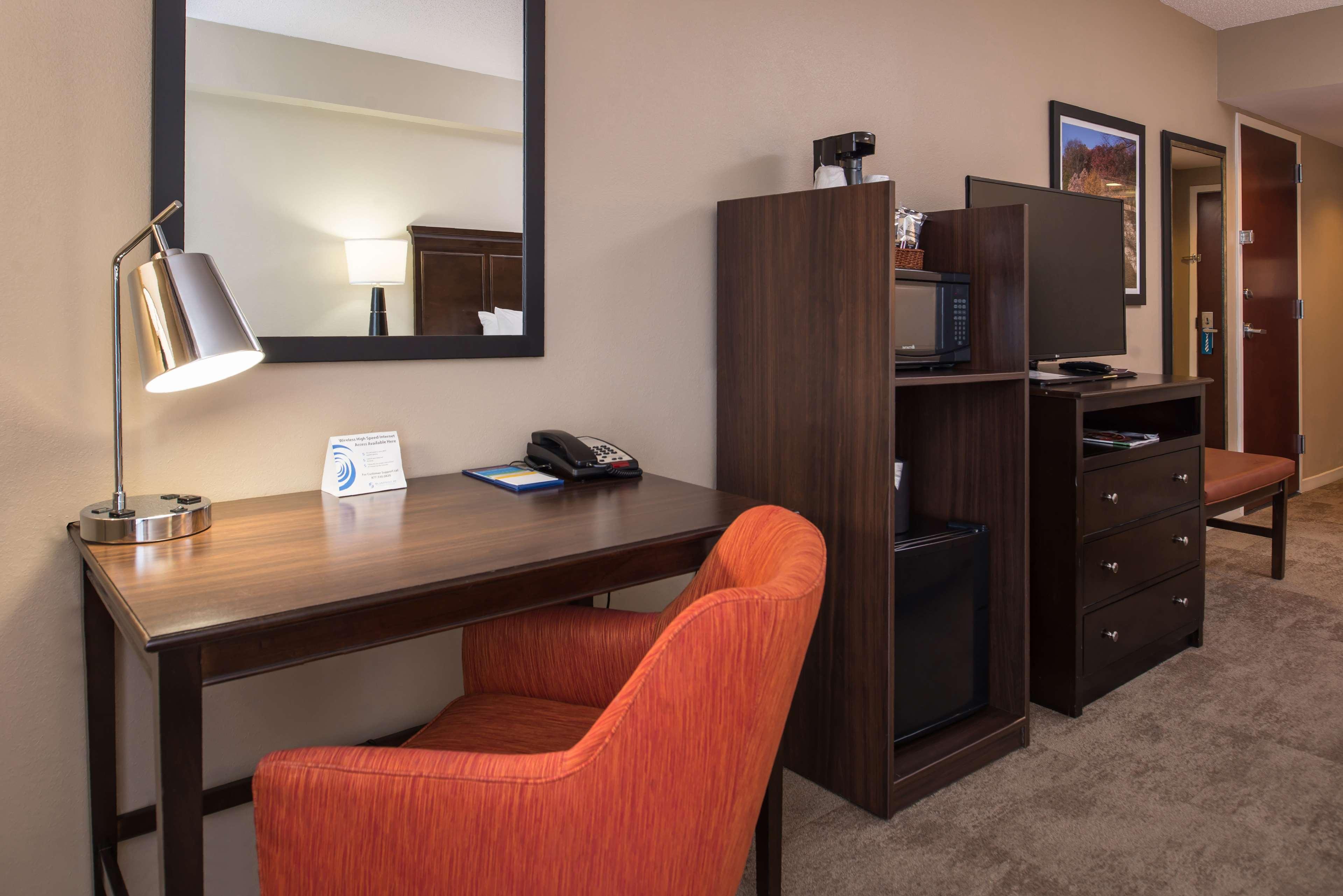 Hampton Inn & Suites Charlotte-Arrowood Rd. image 44