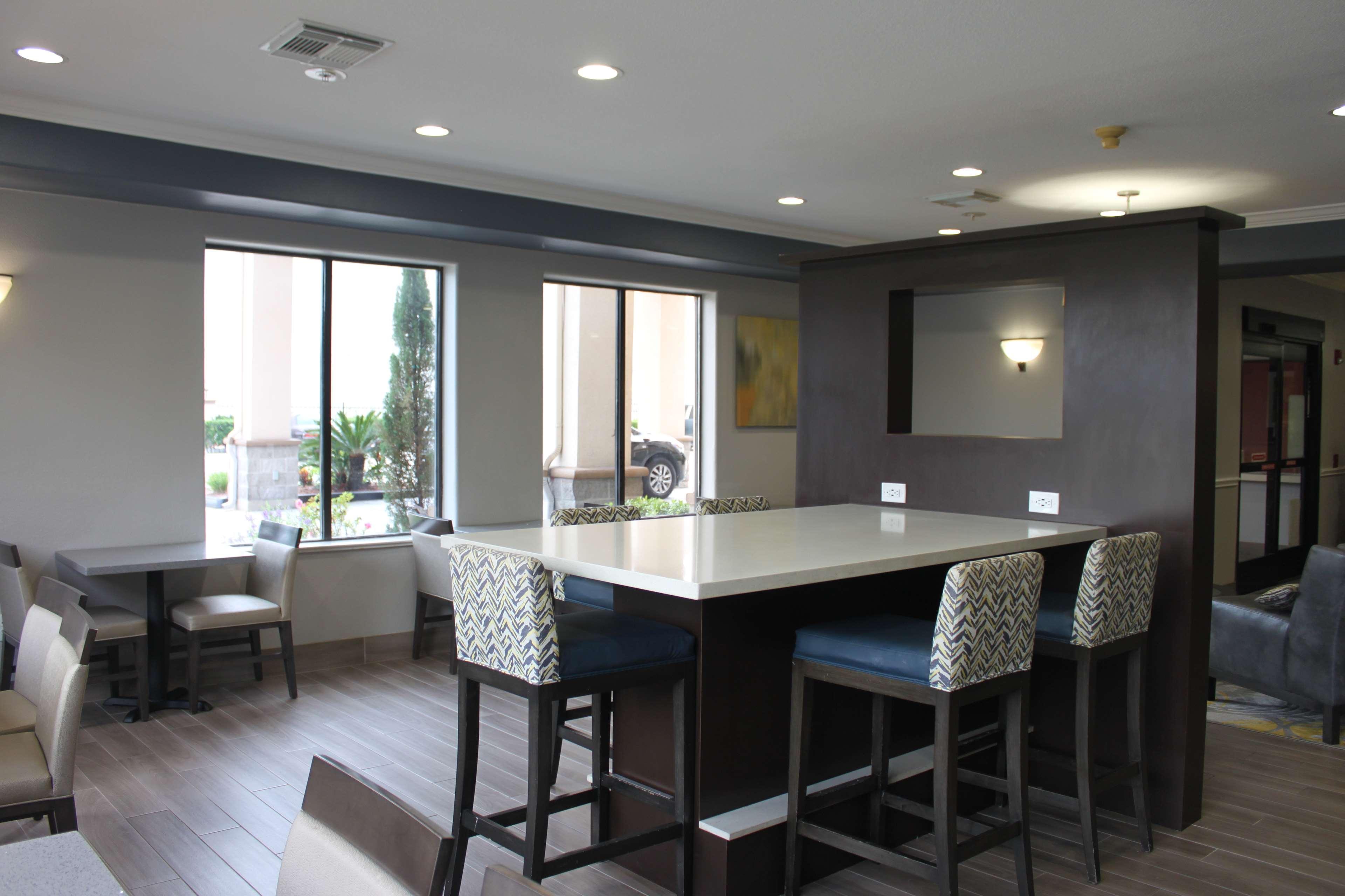 Best Western Plus North Houston Inn & Suites image 8