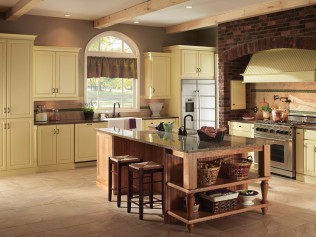 Lens remodeling contractor services closed in for Kitchen cabinets 07726