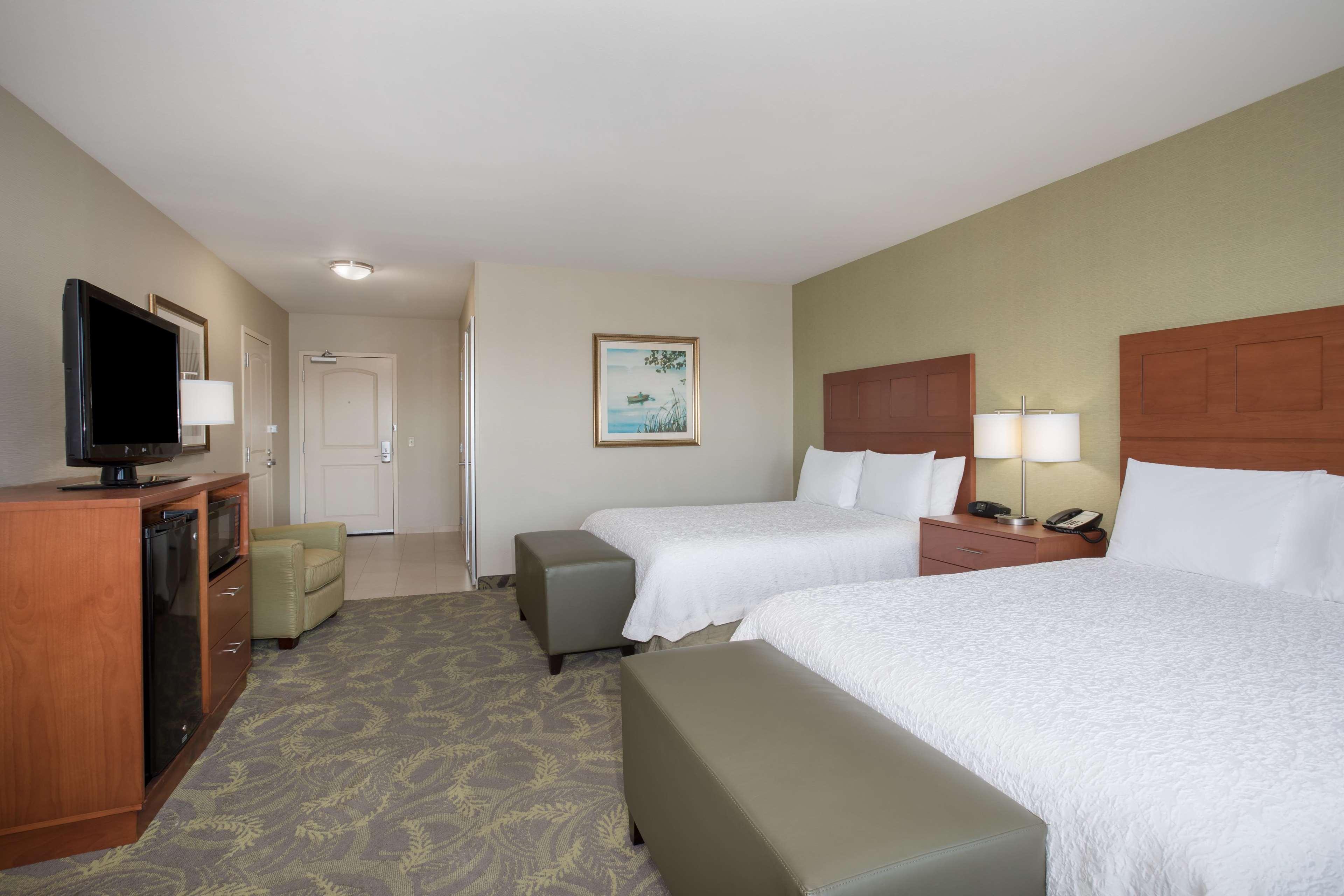 Hampton Inn & Suites Astoria image 44