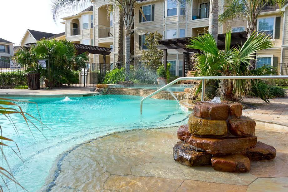 Shadowbrooke Apartments image 11