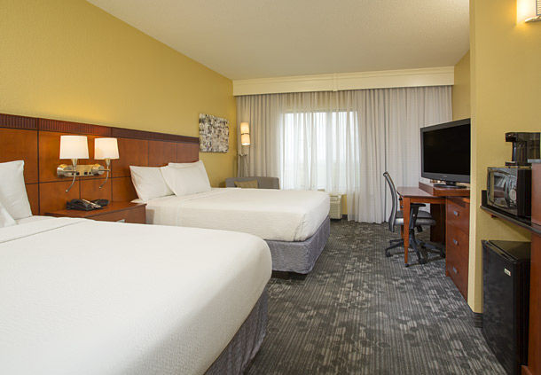 Courtyard by Marriott Austin Airport image 4
