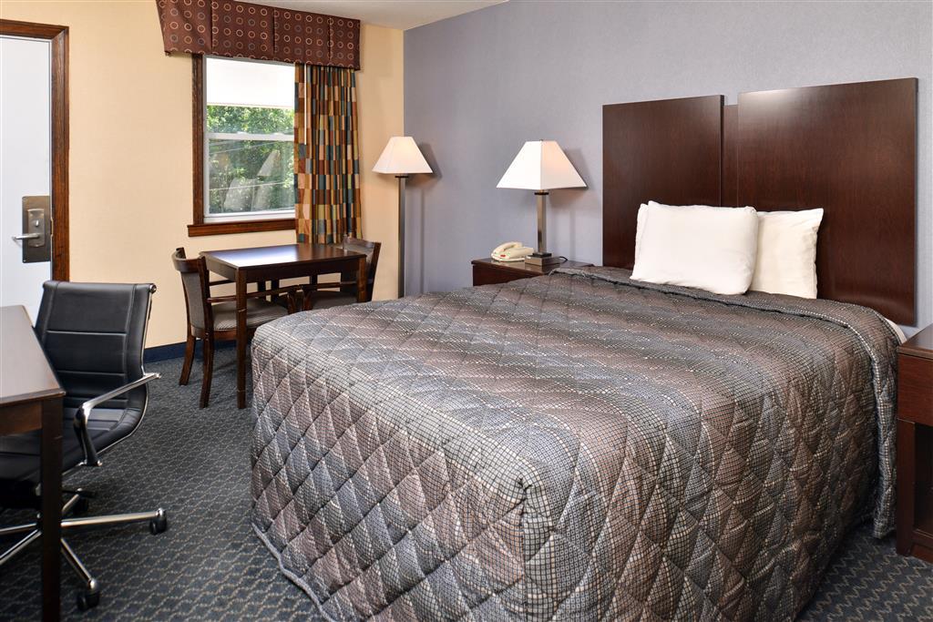 Americas Best Value Inn - Danbury image 11