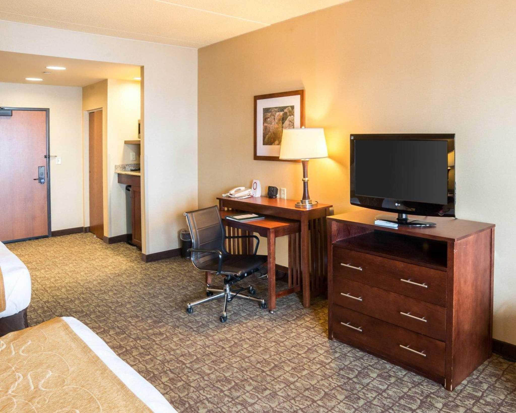 Comfort Suites Canal Park image 29