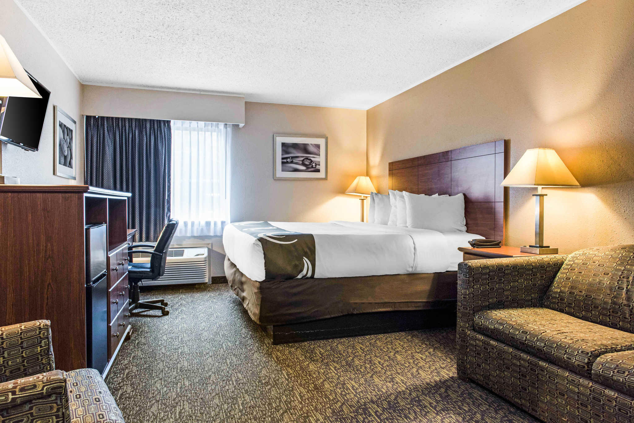 Quality Inn Austintown-Youngstown West image 6