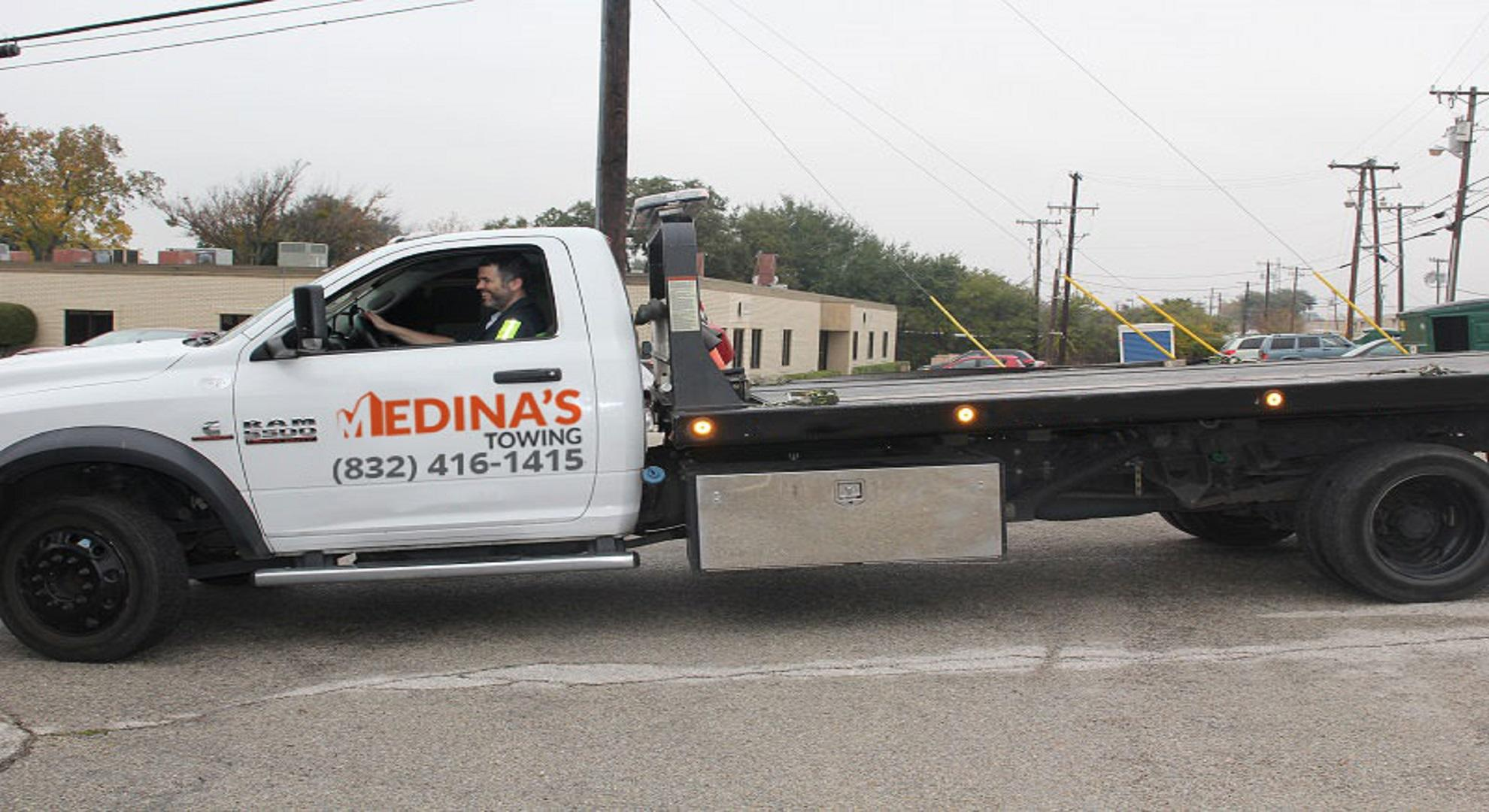 Towing Houston - M's Towing image 0