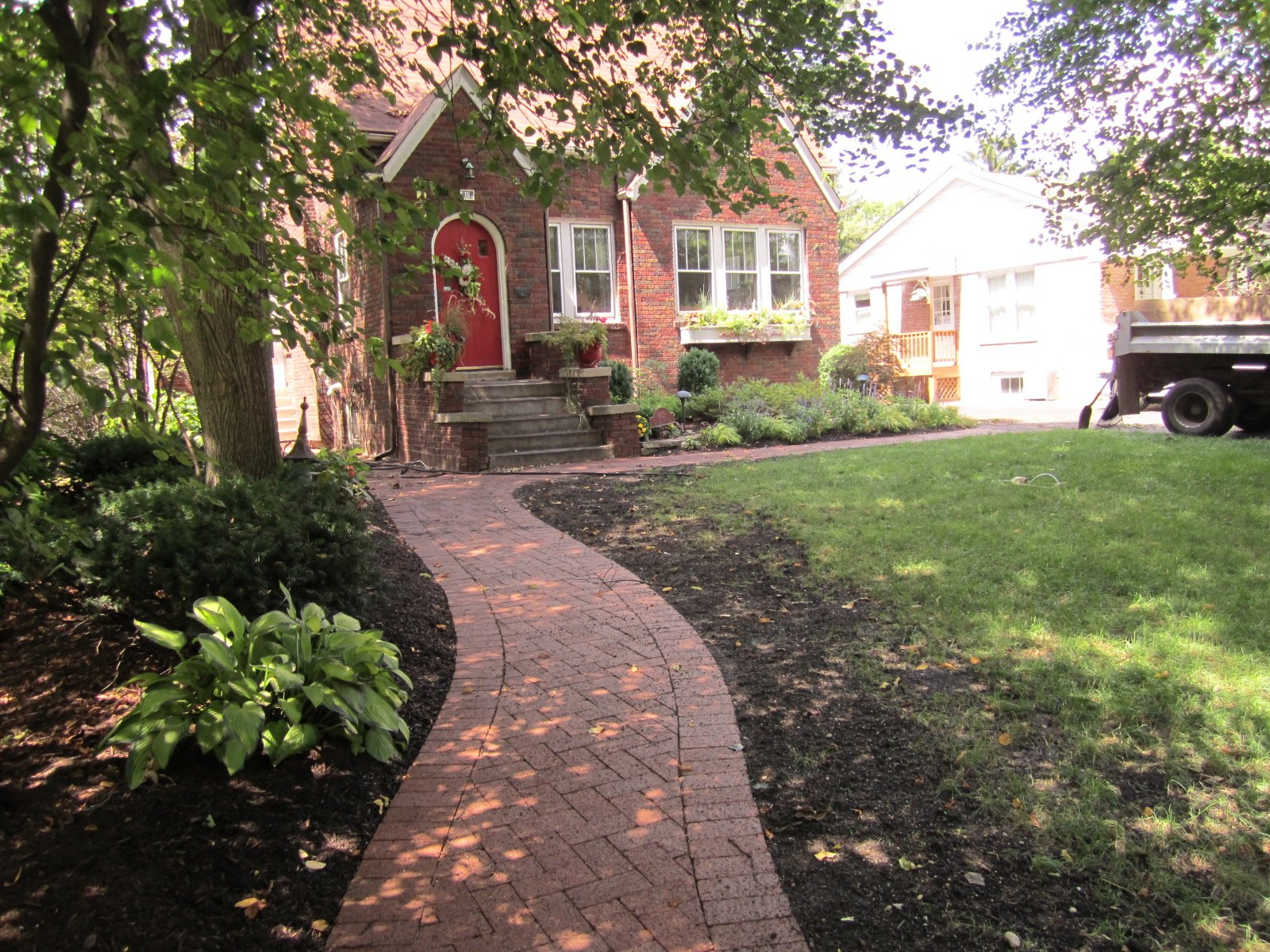 Anns Landscaping image 2