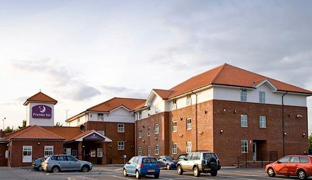 premier inn chelmsford springfield hotels in chelmsford. Black Bedroom Furniture Sets. Home Design Ideas
