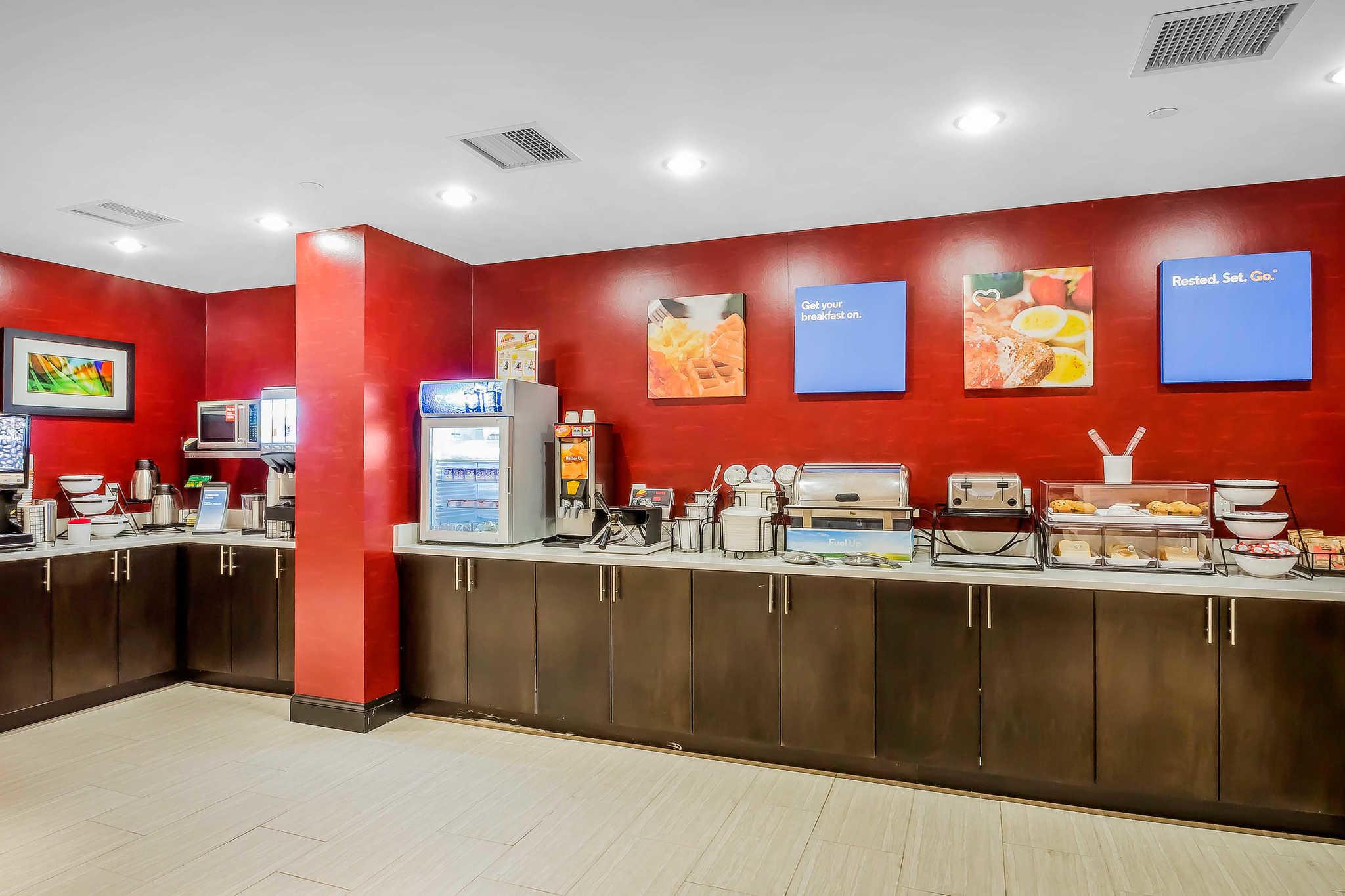 Comfort Inn & Suites near Stadium image 20