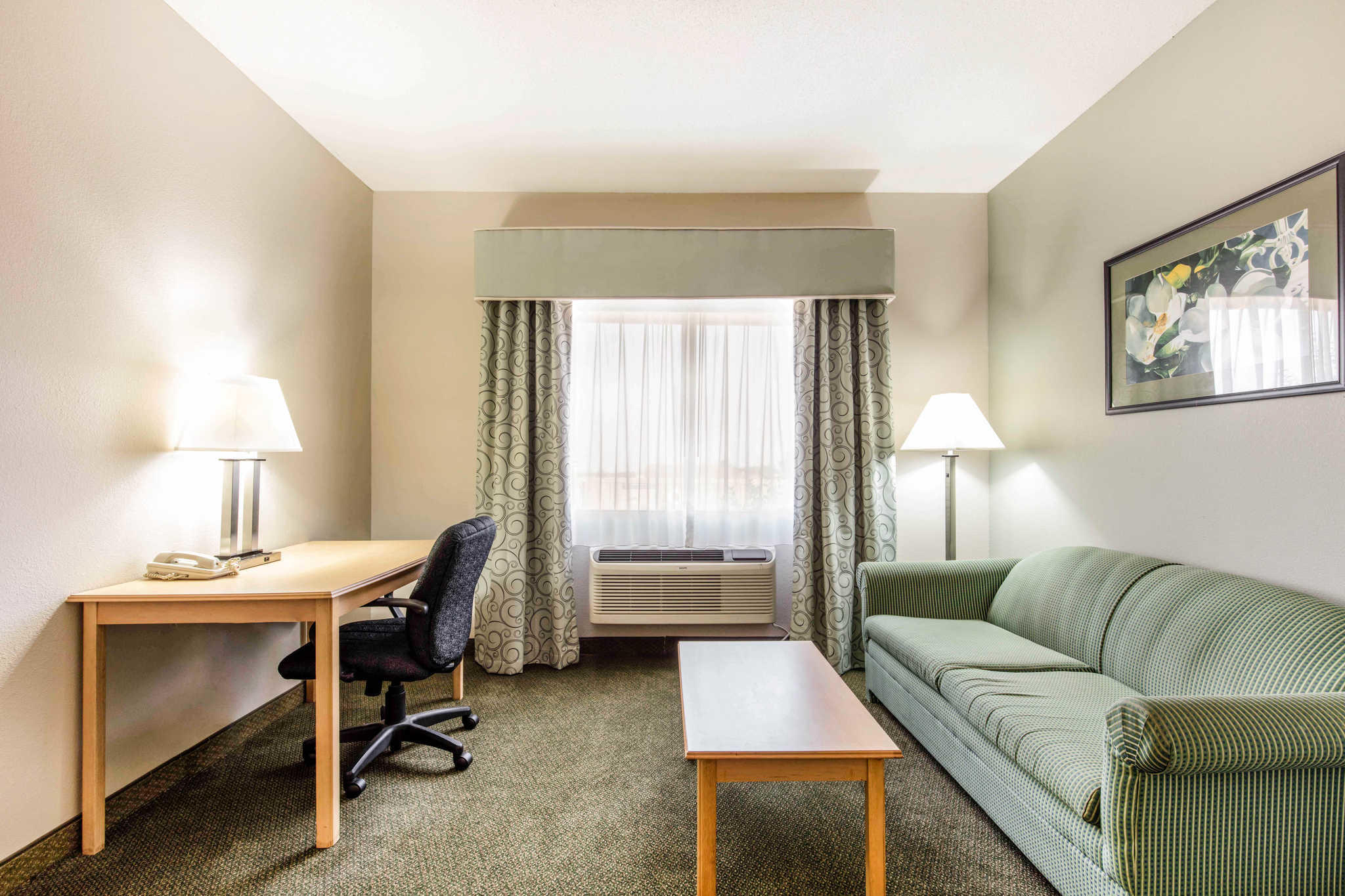 Quality Inn & Suites Jackson Int'l Airport image 18