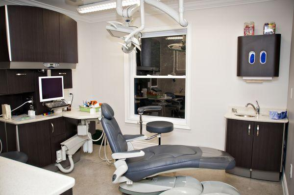 Ra Campbell Dentistry in Bowmanville: State of the art examination rooms.