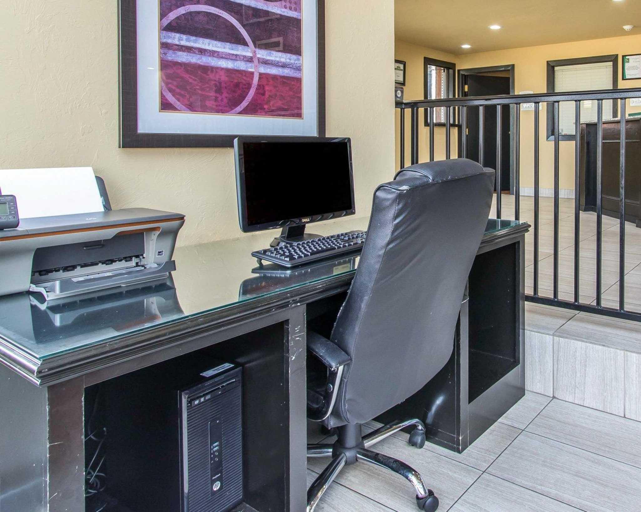 Quality Inn & Suites Fairgrounds West image 33